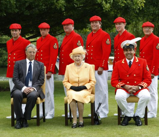 Queen attends annual Swan Upping