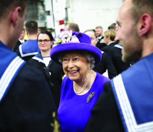 Queen to Attend HMS Ocean Decommissioning Service